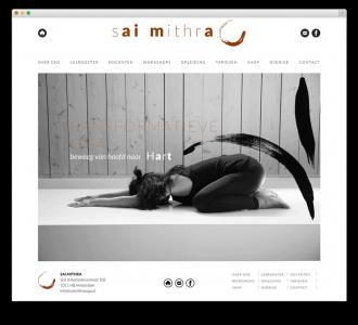 Sai Mithra Yoga website voorbeeld